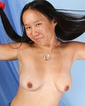Korean Kimiko Kamora shows tits n dildos her pussy