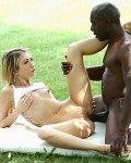 Empera athletic blonde has outdoor interracial sex