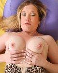 Zaftig Blonde Steph Sweets has nice D cups boobs