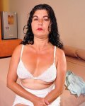 Older mature latina milf lady was picking pictures